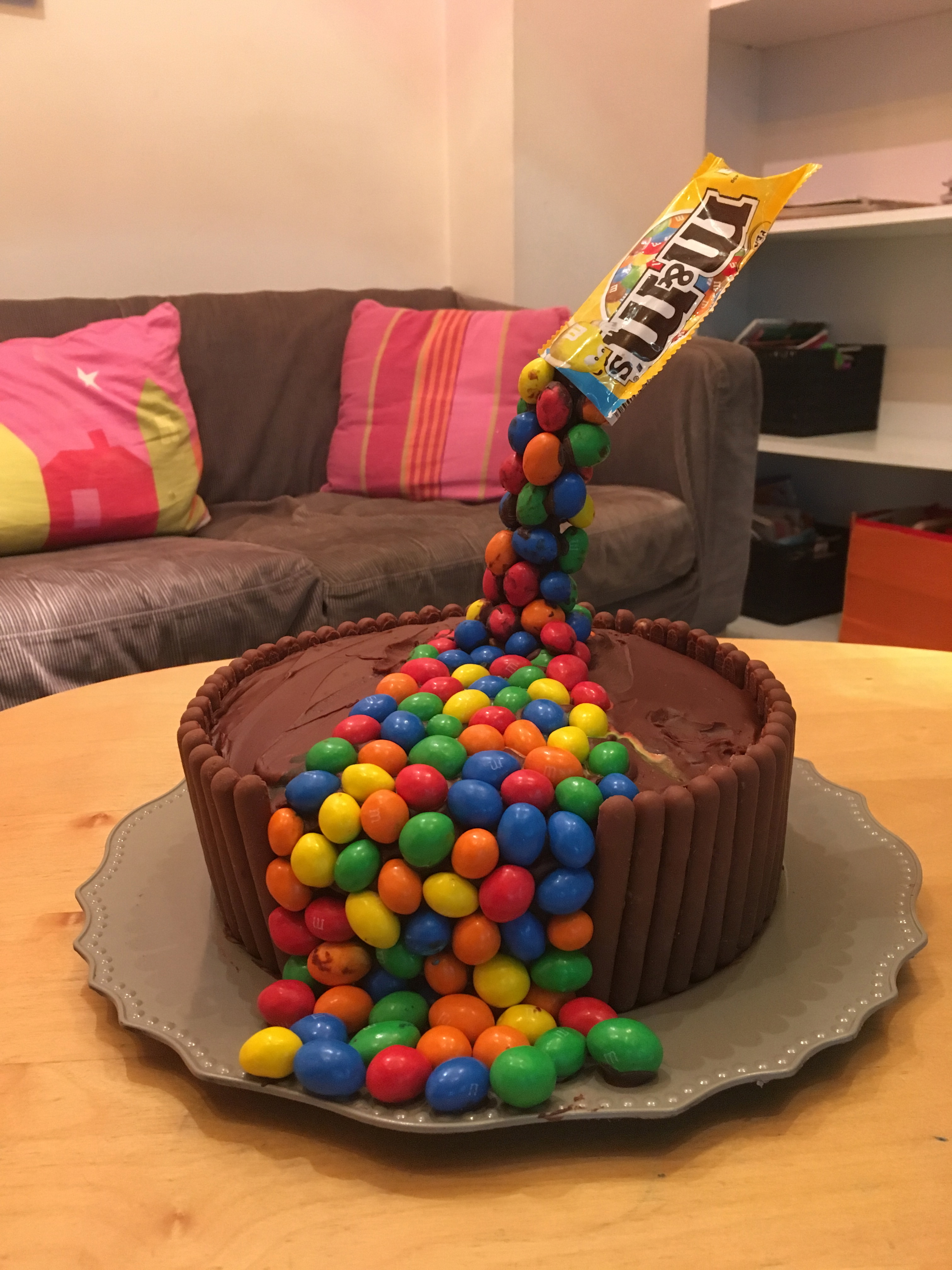 Gâteau lévitation pour anniversaire